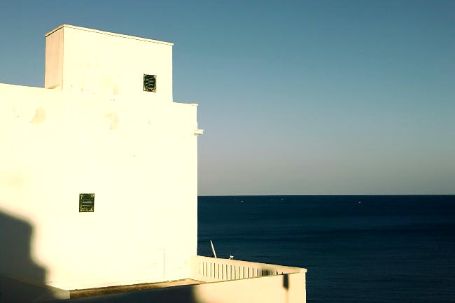 Fotografia minimalista urbana, architettura marina.