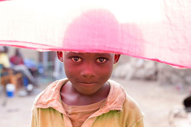 Un bambino africano in Mali, fotografato da Mohamed.