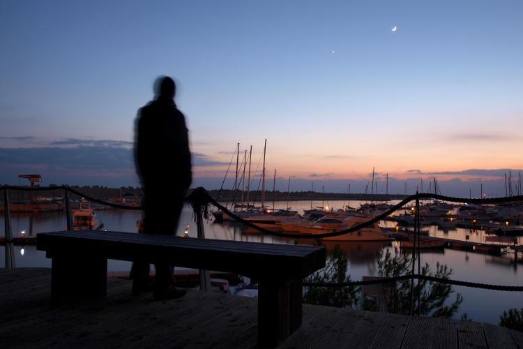 Foto di paesaggio, punto di interesse protagonista.