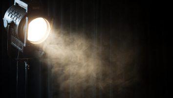 Direzione della luce, fonte luminosa laterale.