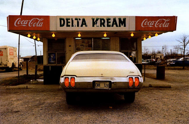 fotografia americana a colori di William Eggleston.