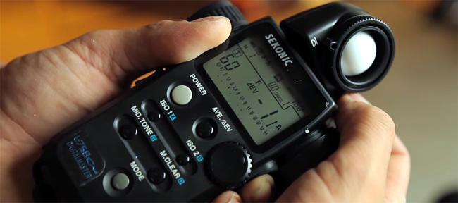 Usare un esposimetro esterno in fotografia.