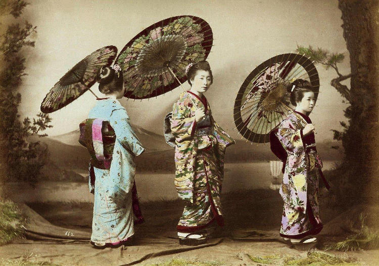 Antica fotografia giapponese tradizionale, colorata a mano.