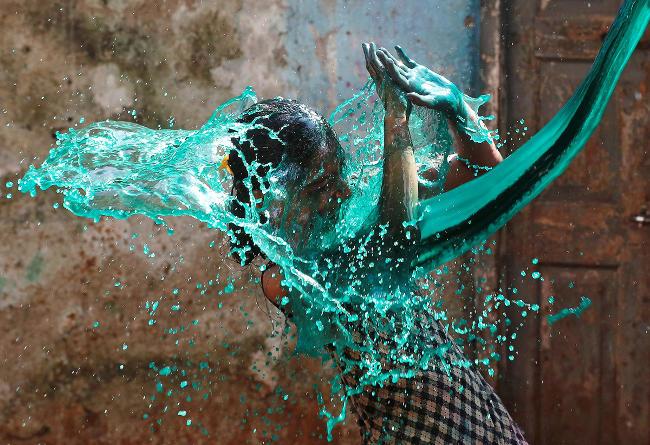 Importanza dei colori nelle fotografie, il blu-azzurro. Copyright Shailesh Andrade / Reuters