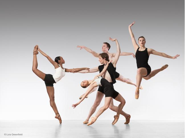 foto di Lois Greenfield con ballerini.