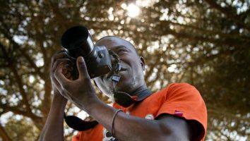 Mohamed Keita, da rifugiato a fotografo.