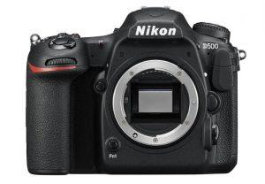 La fotocamera nikon D500.