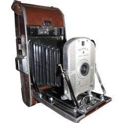 Polaroid Land 95, la prima fotocamera polaroid.