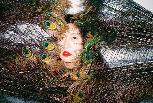 Una fotografia di Ren Hang.