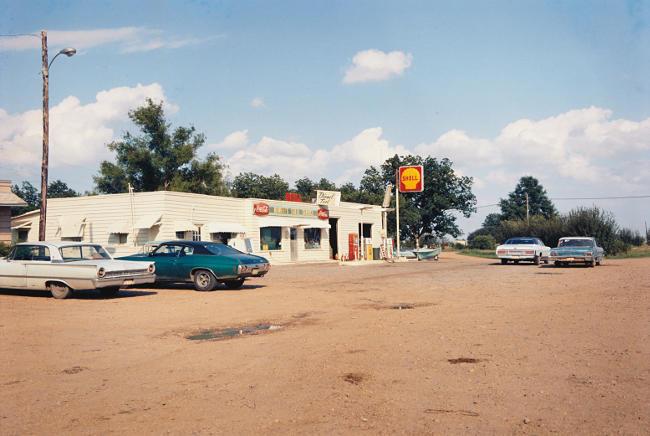 Foto di William Eggleston del 1977.